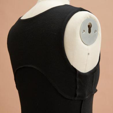 Layered Top in Black back inside (C)Jo Cramer
