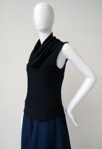 Layered top: singlet and collar
